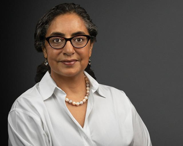 Portrait of Michelle Valladeras